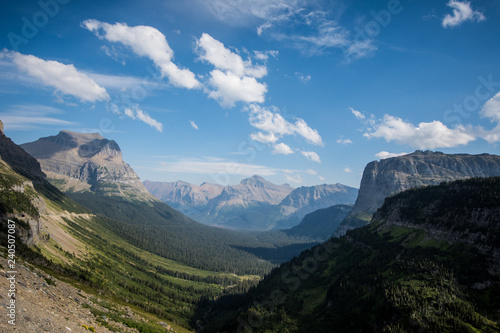 Valokuva  Vast valley along Going to the Sun Road in Glacier National Park Montana USA