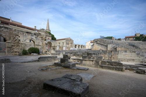 Fotografie, Obraz  Roman ruins at Arles, France