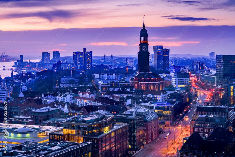Fototapeta Aerial view of downtown Hamburg, Germany, at dusk. - obraz na płótnie