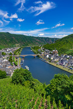 The Town Of Cochem, Germany, In The Summer. It Lies In The Most Romantic Part Of The Moselle Valley, Where The River Curves Between Two Hiking Paradises - Eifel And Hunsrück.