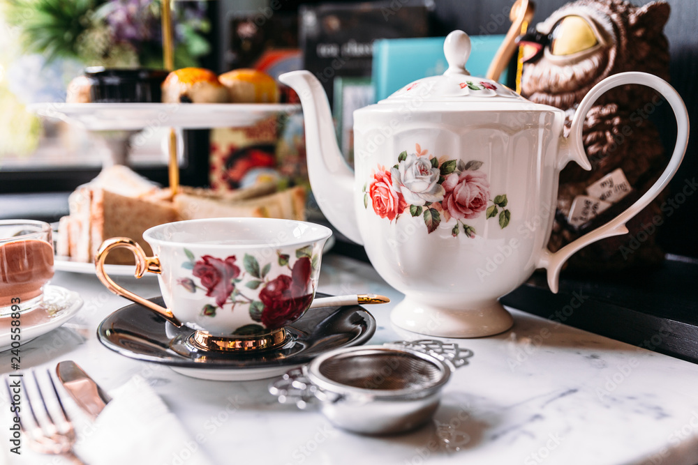 Fototapety, obrazy: English Vintage Porcelain Roses Tea Sets including teapot, tea cup, plate, spoon and tea filter.