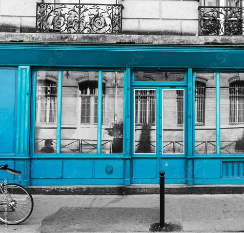 Photo  Turquoise shop windows in Montmartre neighborhood