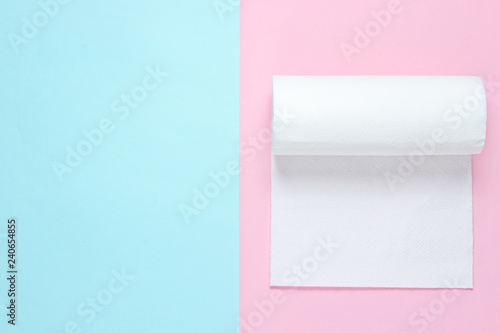 Pinturas sobre lienzo  Roll of paper towels on blue pink pastel background