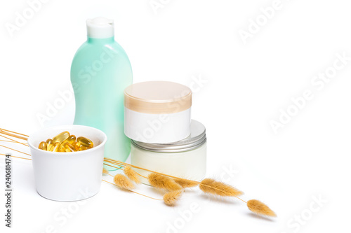 Fotografía  Skin care products on white