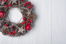 Traditional Christmas Wreath F...