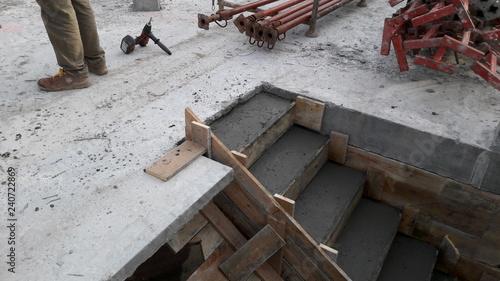 Fotografie, Obraz  costruire una scala in cantiere