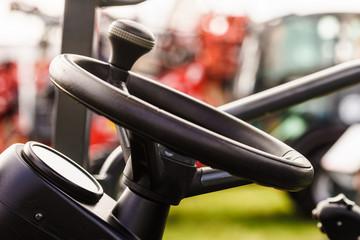 Steering wheel in tractor truck
