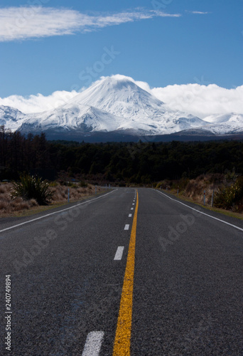 Photo  A road leading in the direction of the Ngauruhoe / Mt
