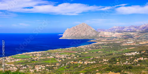 Keuken foto achterwand Europese Plekken coastal landscape of beautiful Sicily. San vito lo capo, view from Erice. Itlay