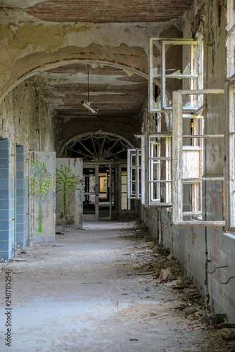 Tuinposter Oude verlaten gebouwen Ruins of Beelitz-Heilstätten Lost place Berlin Brandenburg;