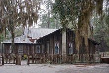 Chesser Island, GA, USA: The Abandoned Chesser Homestead Stands On An Island On The Eastern Edge Of The Okefenokee Swamp, A National Wildlife Refuge.