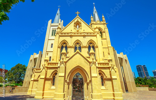 Spoed Foto op Canvas Oceanië Facade of St Mary's Cathedral in Perth, Western Australia. The Cathedral of the Immaculate Conception of the Blessed Virgin Mary in neogothic style is of Christian Catholic religion. Front view.
