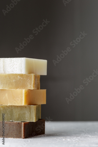 Fotografía  Tower stack of different kinds of handmade soaps