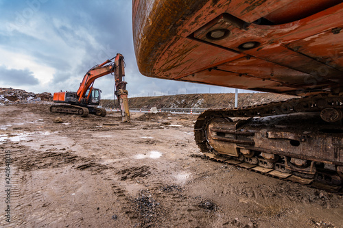 Fotografía  Hydraulic machinery varied in the construction of a road