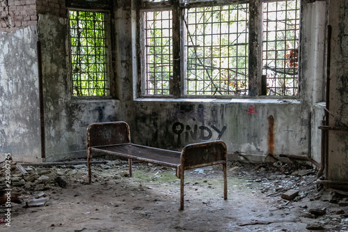Photo Stands Old Hospital Beelitz Ruins of Beelitz-Heilstätten Lost place Berlin Brandenburg;