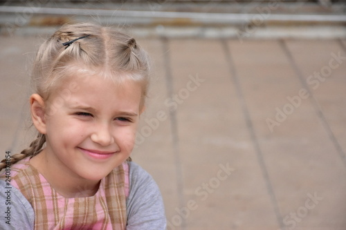 Valokuvatapetti portrait of a little girl