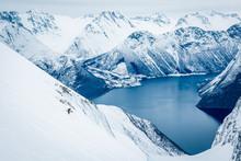 Skifahrer Auf Gletscher In Nor...