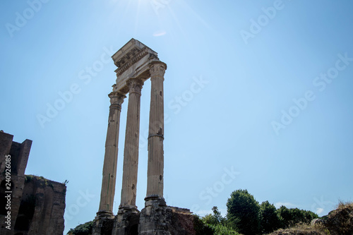 Fotografie, Obraz  Remains of Saturn Temple from Roman Forum