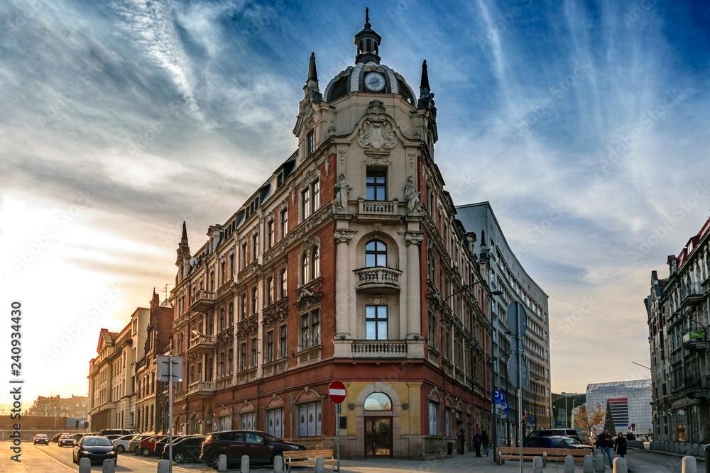 Fototapety, obrazy: Charakterystyczny budynek w centrum Katowic, Śląsk, Polska
