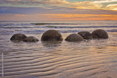 Photo Famous Moeraki Boulders in South Island of New Zealand