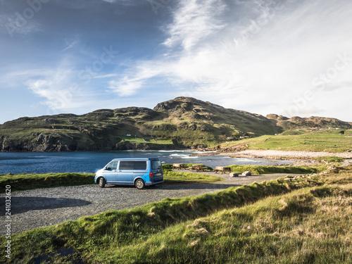 Fotografiet Campervan Surfbus in Sligo County Donegall am Wild Atlantic Highway