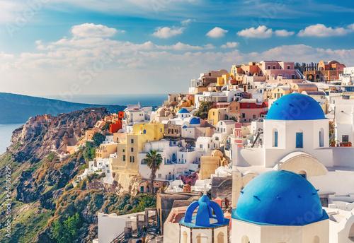 Poster de jardin Santorini Churches in Oia, Santorini island in Greece, on a sunny day. Scenic travel background.
