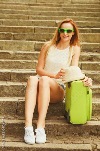 Fotografia  Lovely woman on trip journey in summer.