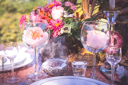 Fotografie, Tablou pink and geode wedding tablescape