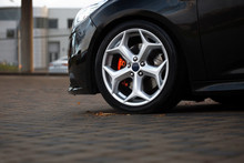 Front Rims And Wheel Of Hatchb...