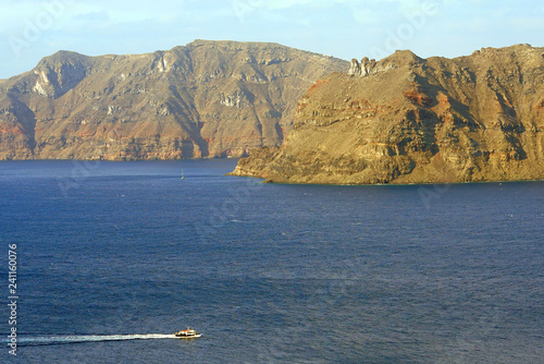Foto  Characteristic view of Santorini, Cyclades