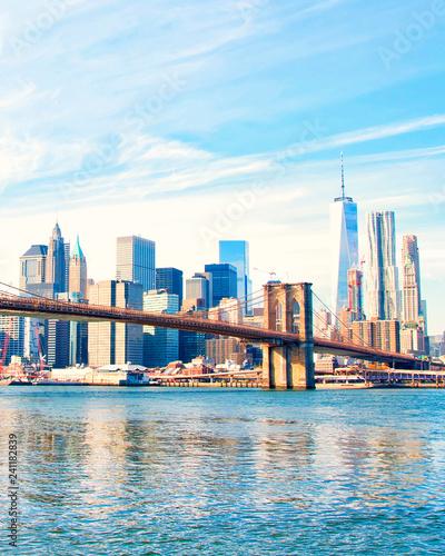 Foto op Canvas Amerikaanse Plekken New York City skyscrapers and Brooklyn Bridge, USA