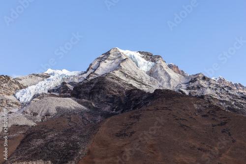 Cuadros en Lienzo View to the summit of Island Peak from the Island Peak Base Camp