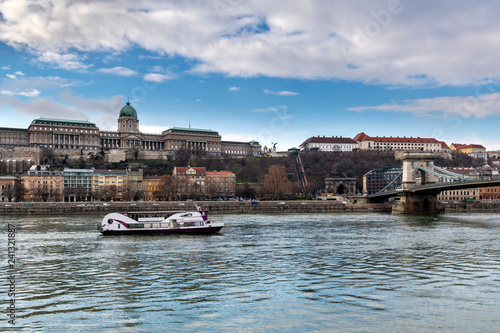 Deurstickers Historisch geb. Royal Palace on Hill in Budapest, Hungary