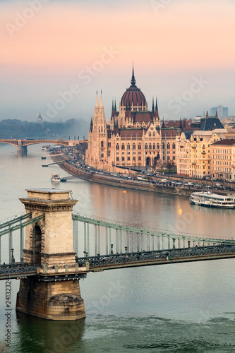 Spoed Foto op Canvas Historisch geb. View of Budapest Parliament