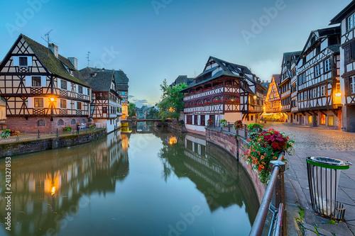 Deurstickers Historisch geb. Strassburg Elsass Nacht Gerberviertel