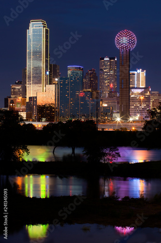 Photo  Downtown Dallas Texas at sunset
