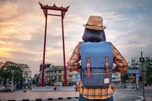 Asian Women Tourists Are Watch...