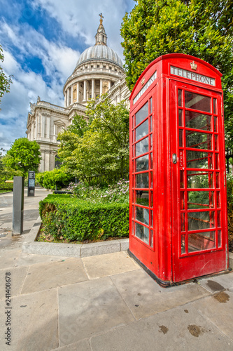 Fotografie, Obraz  St. Pauls Cathedral in London on a sunny Day