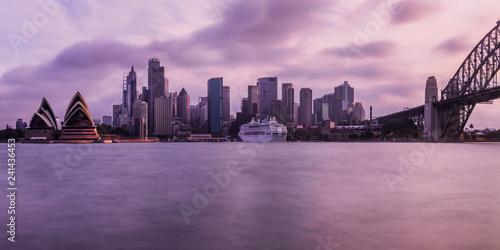 Montage in der Fensternische Australien Sydney im Sonnenuntergang