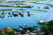 Floating Village At Tonle Sap
