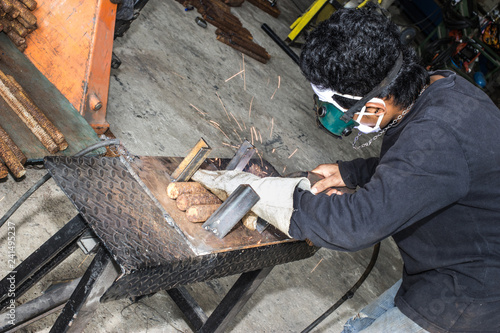 Steel welding Canvas-taulu