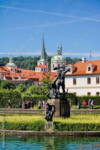 In de dag Centraal Europa Prag, Wallensteingarten