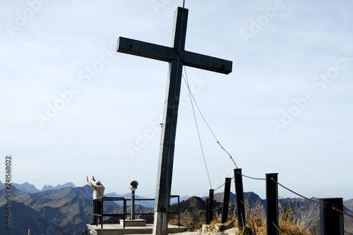 Gipfelkreuz am Walmendinger Horn - Allgäuer Alpen