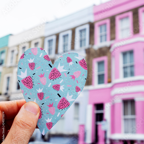 Tuinposter Centraal Europa colorful heart in portobello road in london, UK