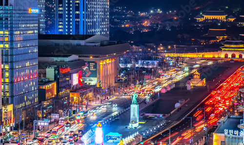 Photo  Night view of gwanghwamun plaza  in Seoul south Korea