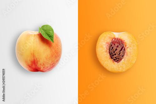 Carta da parati Creative background, peach and peach slices on white and orange background