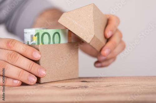 Fotografie, Obraz  Haus Geld