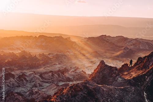 Stickers pour porte Orange eclat atacama desert hike peak sunset rays Chile