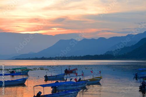 Photo Lanchas en el lago de Chapala