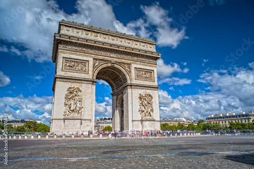 Arc de Triomphe on the Champs Elysees in Paris Canvas-taulu
